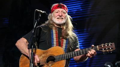 Willie Nelson postpones concert at River Spirit Casino