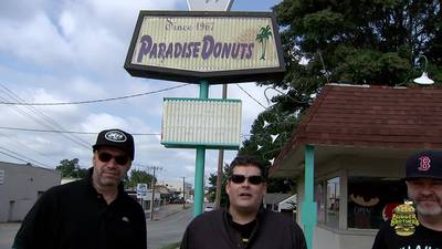 EPISODE 12: Burger Brothers go to Wolfey's Paradise Donuts