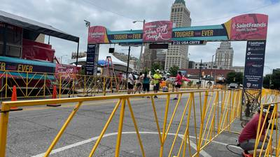 Thousands turn out for Tulsa Tough