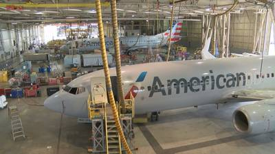 American Airlines: get vaccinated or get fired